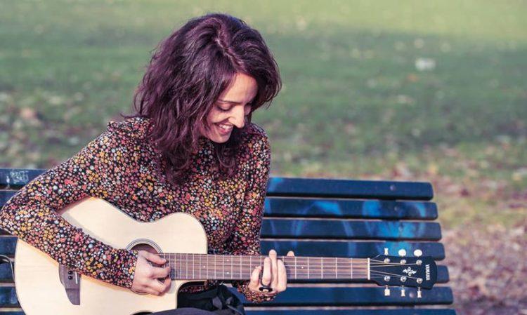 SUE è un progetto al femminile di canzoni d'autore, da sempre indipendente ed autoprodotto.